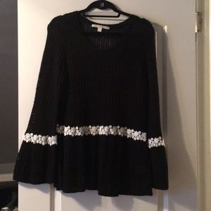 Lauren Conrad black open weave sweater w/daisies!